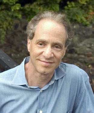 Photo of Dr. Ray Kurzweil.